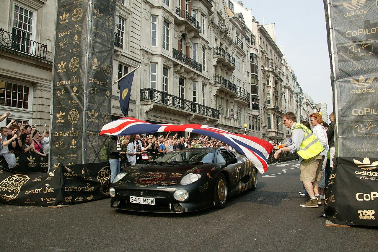 Gumball Rally Start London 2007.jpg