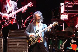 Mike Campbell (musician) - Campbell performing live in Columbus, Ohio, June 2006
