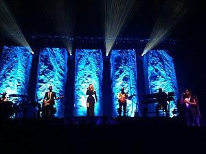I Am Tour (Leona Lewis) - Image: Leona lewis stage shot 2