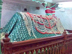 Mazar_Baba_Fakhruddin_in_Penukonda_Anantapur.jpg