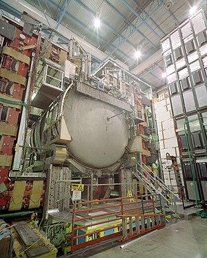D0 experiment - DØ Detector with large liquid argon calorimeter
