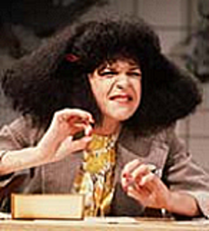 Roseanne Roseannadanna - Roseanne Roseannadanna provides commentary
