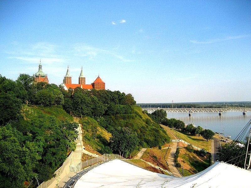 File:Wzgórze Tumskie w Płocku.jpg