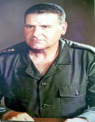 OG-107 - Ibrahim Tannous, a former commander of the Lebanese Armed Forces, wearing Type III OG-107s with shoulder straps.