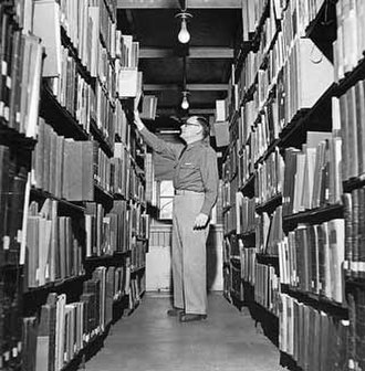 Combined Arms Research Library - Image: In the stacks at the Combined Arms Research Library (Fort Leavenworth, KS, 1941)