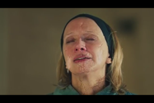 Lost in the Echo - Example of the effects in the video, when the characters crumbled to dust.