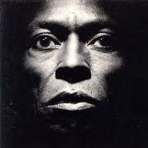 Tutu (album) - Image: Miles Davis Tutu (album cover)