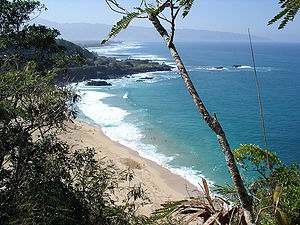 Waimea Bay, Hawaii - The bay from Pu'u o Mahuka Heiau State Monument