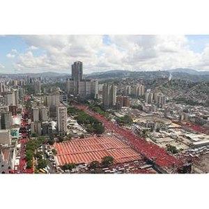 "Venezuelan presidential election, 2006 - ""Red Tide takes Caracas"": Pro-Chávez march on multiple avenues"