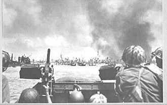 USS Warren (APA-53) - US troops going ashore at Kwajalein, 1944