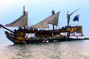 Pirates of the Caribbean: The Curse of the Black Pearl - The barge used for the Dauntless