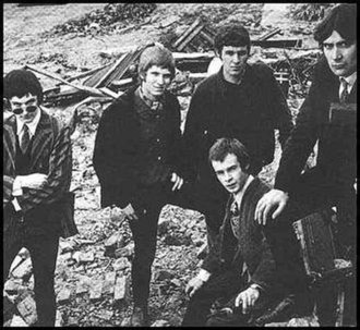 The Loved Ones - The Loved Ones, 1967. From left: Kim Lynch, Rob Lovett, Gavin Anderson, Treva Richards (sitting), Gerry Humphrys