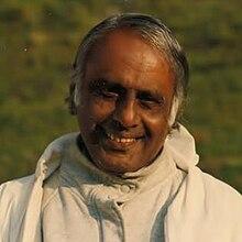 Godwin Samararatna (1932-2000).jpg