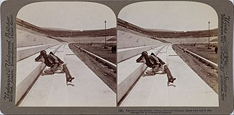 Underwood & Underwood - Image: Underwood & Underwood The Stadium Google Art Project