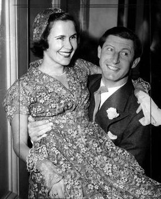 Peter Isaacson - Peter and Anne Isaacson at the registry office for their wedding in 1950