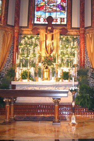 Cathedral of Saint Mary (Austin, Texas) - Image: Saint Mary's Cathedral Austin Texas Altar