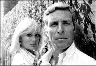 Hunter (1977 TV series) - Linda Evans as Marty Shaw and James Franciscus as James Hunter in Hunter.