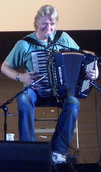 Phil Cunningham (folk musician) - Image: Phil Cunningham Campbeltown Aug 2005