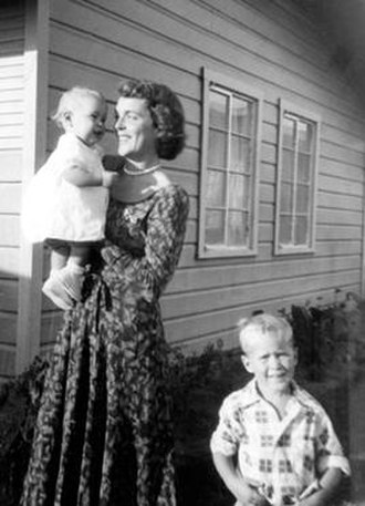 Pauline Robinson Bush - Barbara Bush with Robin and George W., in Texas, October 1950.