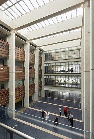 Chadwick School - Chadwick International's four-story atrium