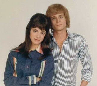 The Karen Carpenter Story - Cynthia Gibb and Mitchell Anderson as Karen and Richard Carpenter