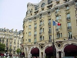 Hôtel Lutetia - Image: Hôtel Lutetia at day