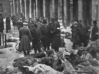 Arrow Cross Party - Jewish victims of Arrow Cross men in the court of the Dohány Street Synagogue