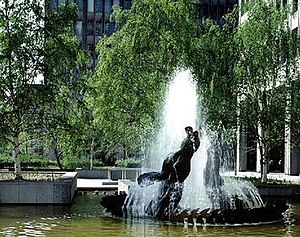 Gerald Gladstone - Image: Gladstone Sculpture