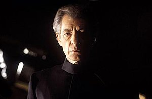 Magneto in other media - Ian McKellen as Magneto in X-Men (2000).