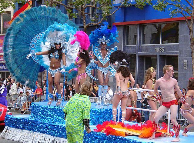 В столице Варшаве прошел первый в Центральной и Восточной Европе гей-парад