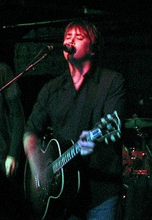Pat McGee performing with parts of the Pat McGee Band and Stephen Kellogg in Minneapolis, February 25, 2006