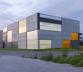 OFIS Architects - Image: Store, office & shop concrete container 001