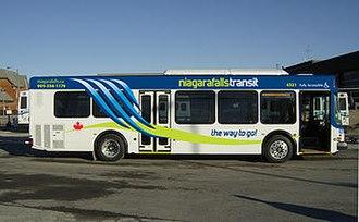 Niagara Falls Transit - Image: New Bus Photo door side