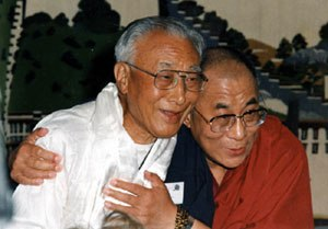 Thubten Jigme Norbu - Norbu with his brother, the 14th Dalai Lama, in 1996
