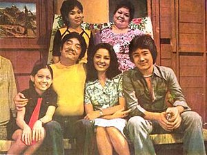 Dolphy - The Puruntóng family in 1975 from the hit television sitcom John En Marsha (1973-1990). (from top left: Matutína and Dely Atay-Atayan; bottom left to right: Maricel Soriano, Dolphy, Nida Blanca, and Rolly Quizon)