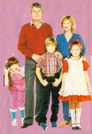 Small Wonder (TV series) - The cast of Small Wonder during the first season