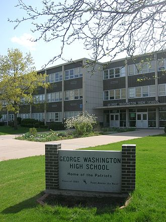 George Washington High School (Colorado) - Image: GWHS Denver Entrance