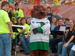 Missouri River Otters - Oscar The Otter at Shop n Save in St. Peters (2006)