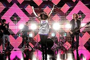 Falling Down (Selena Gomez & the Scene song) - Image: Fallingdownmusicvide o