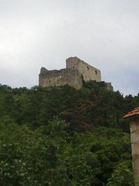 Prozor Fortress seen from town.JPG