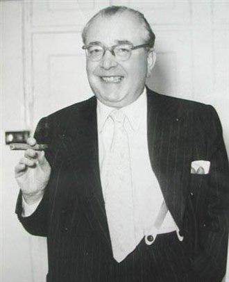 Tom Arnold (theatre impresario) - Tom Arnold, King of Pantomime