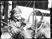 Art Smith (pilot) 1915.jpg