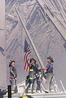 <i>Raising the Flag at Ground Zero</i> picture by Thomas E. Franklin