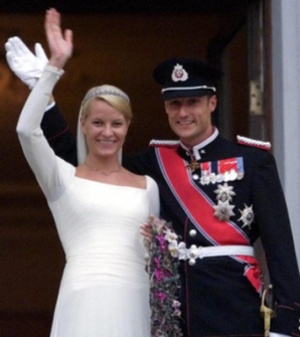 Wedding of Haakon, Crown Prince of Norway, and Mette-Marit Tjessem Høiby - Haakon, Crown Prince of Norway, and Mette-Marit Tjessem Høiby on their wedding day.