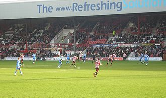 Griffin Park - The Braemar Road stand, visible during the Boxing Day match versus Wycombe Wanderers in 2007.