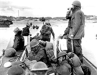 3rd Canadian Division - Canadian Soldiers landing on Juno beach from an LCA