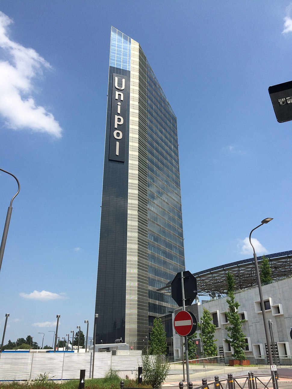 Unipol Tower 02