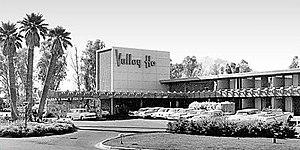Edward L. Varney - The Hotel Valley Ho, designed by Varney in 1956