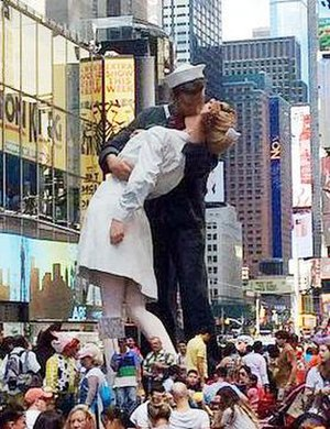 Unconditional Surrender (sculpture) - The sculpture in Times Square, August 2015