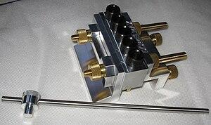 Dowelmax - The Dowelmax Jig with distance gauge bar